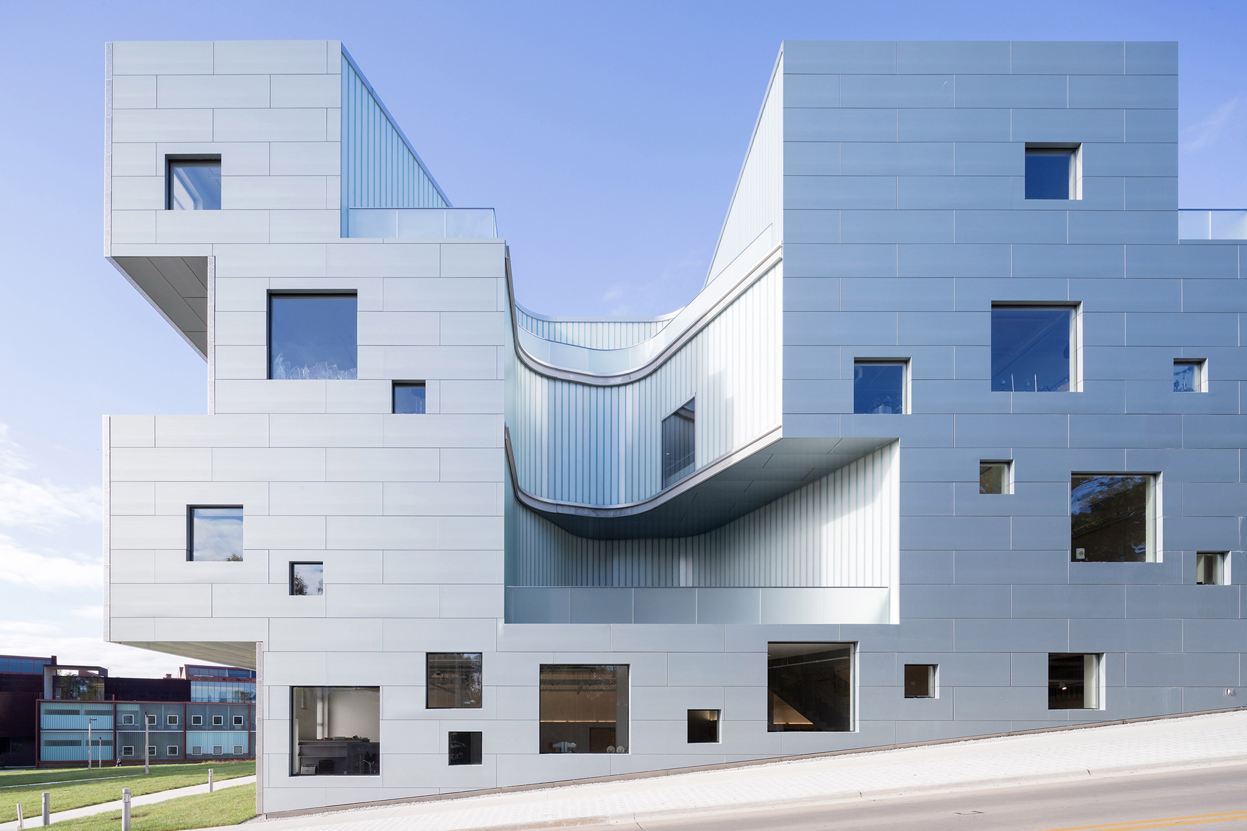 Project: University of Iowa Visual Arts Building. Architect: Steven Holl Architects. Associate Architect: BNIM Architects. Photo: Iwan Baan.