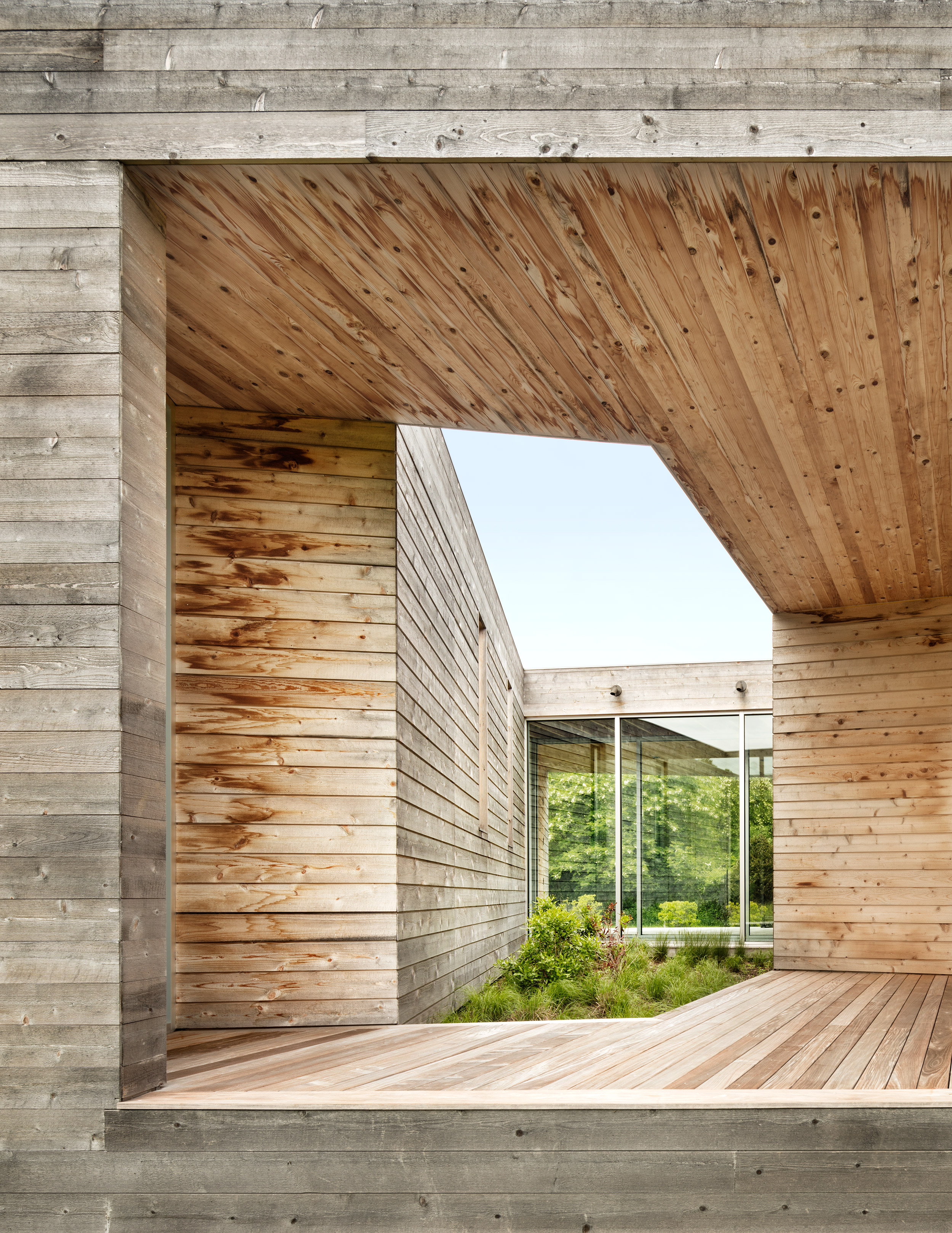 Shelter Island House by Christoff:Finio Architecture and James C. Grimes Land Design. Photo: Scott Frances.